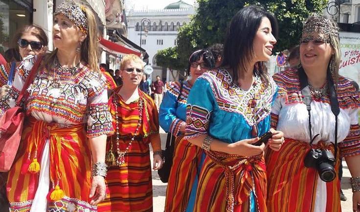La robe kabyle défile à Alger en avril