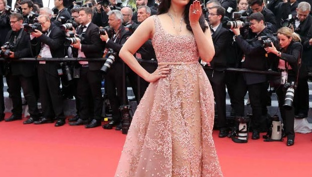 Cannes 2016 : Les robes d'Elie Saab subliment la croisette