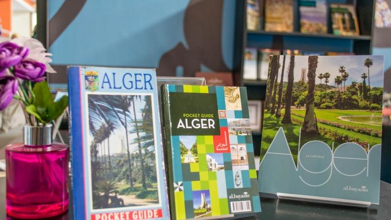 Un dans la poche et l'autre dans le sac, le guide essentiel pour visiter Alger !