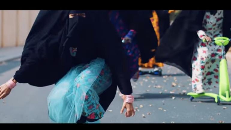 Vidéo. Un clip féministe réalisé par un… Saoudien