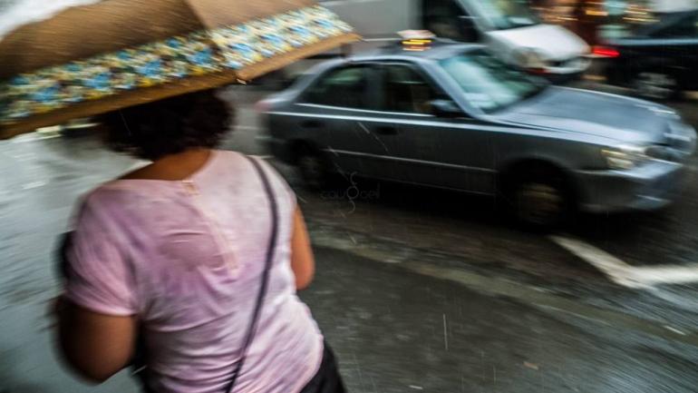 Ces Algériennes taxieurs clandestines