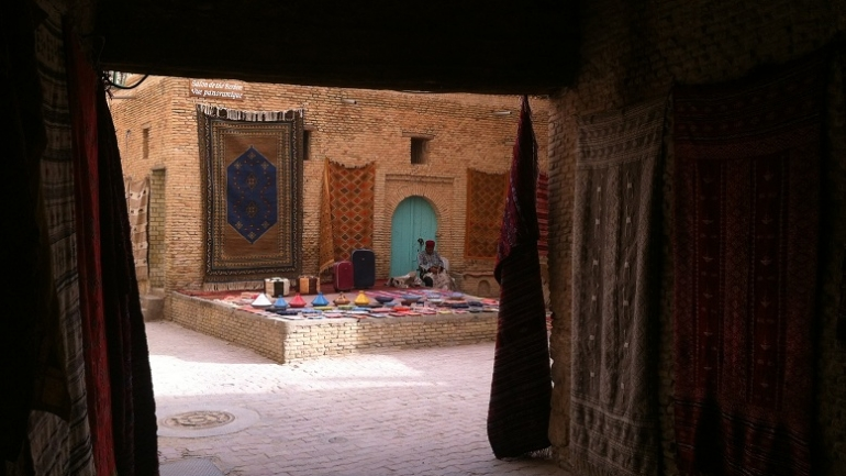 La médina de Tozeur, dans la région de Djerba, en Tunisie. Crédit photo : Zouina @myringtravel