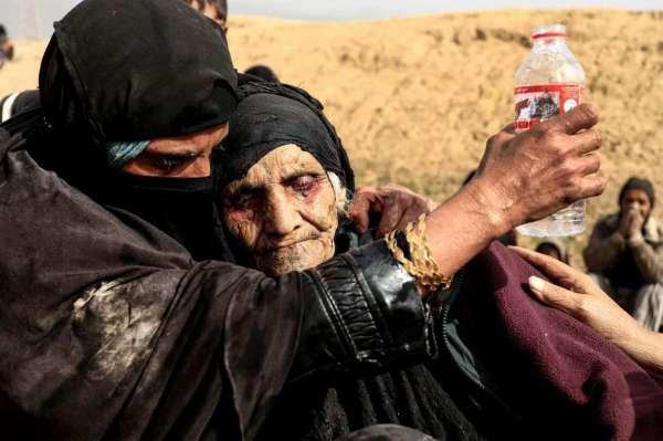 la photo-journaliste algérienne zohra bensemra à mossoul en iraq