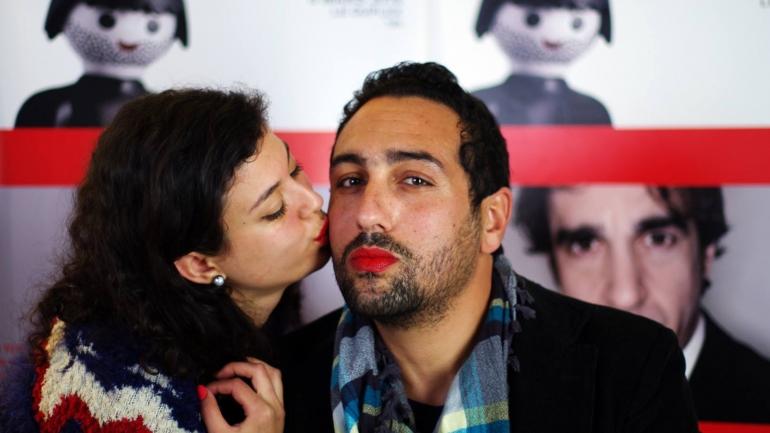 #BonneNouvelle Les Tunisiens mettent du rouge contre les violences faites aux femmes