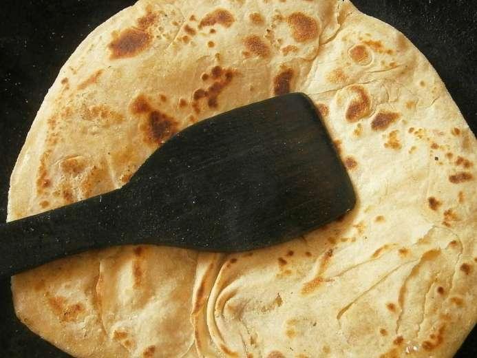 Un cours de Chapati, le pain traditionnel indien
