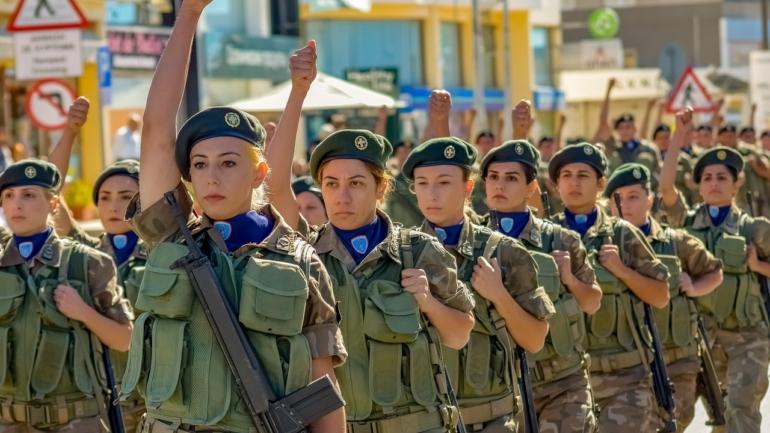 Le service militaire obligatoire pour les femmes en Algérie ?